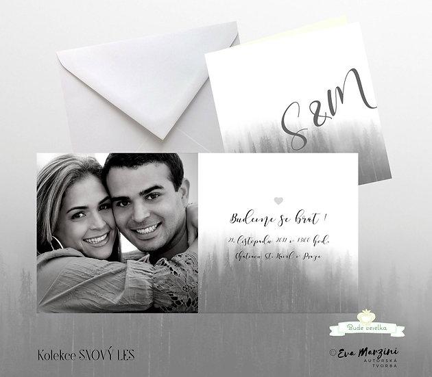 Svatební oznámení šedo-bílé s fotkou ve stylu nordic a motivem lesa
