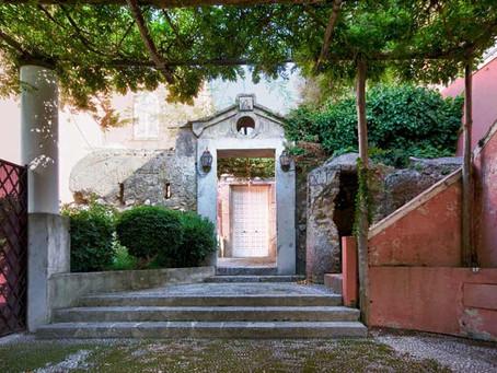 Starodávné vily na Amalfinském pobřeží