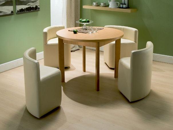 Stůl a křesla