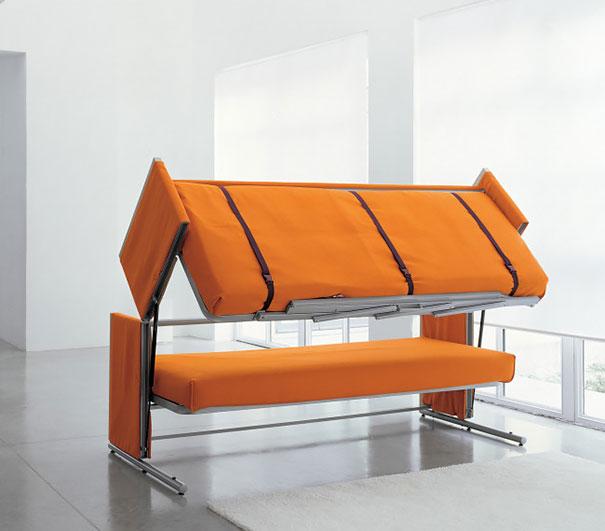 Gauč nebo postele