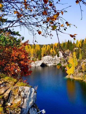 Горный парк Рускеала осенью