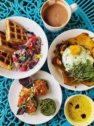 Joule offers something for everybody, a smorgasbord of nutrition. Wheather you need a filling meal to start your day or dose of nutrition to finish it out, we have endless combination and options to serve you.