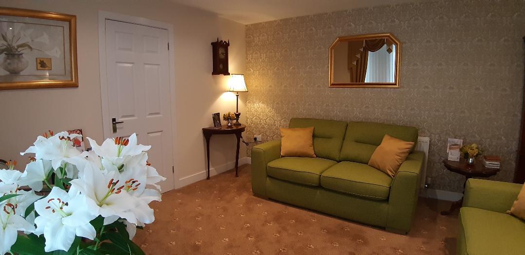 family arrangement room 2