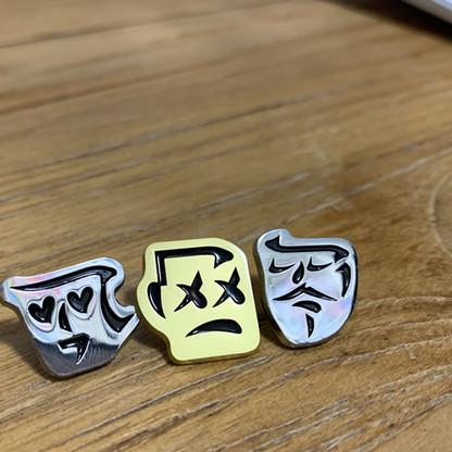 Stroky pins