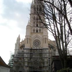 Basilique Notre-Dame-du-Saint-Cordon