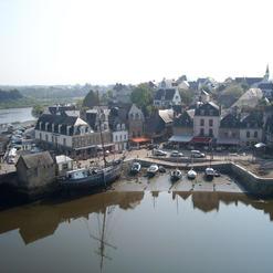 Le Port de Saint Goustan Le Pont de Sain