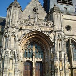 La façade ouest de Eglise Saint Pierre