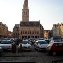 Hôtel de Ville et le Beffroi sur la plac