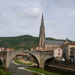 Le Pont Vieux et l'église
