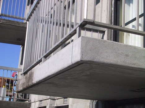 Commercial building power washing in Canada