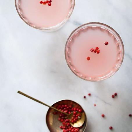 Cocktail - gin, kombucha, rabarber