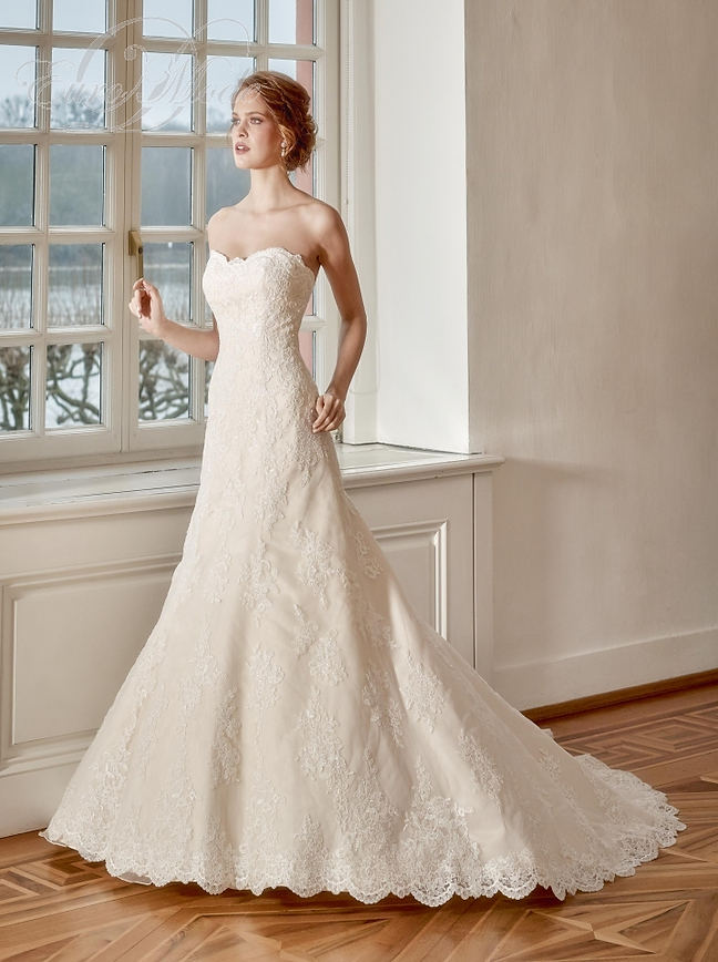 Olivia - Was £1650.00 Now £750.00
