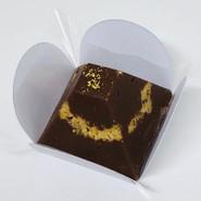 Pirâmide de chocolate ao leite com paçoca