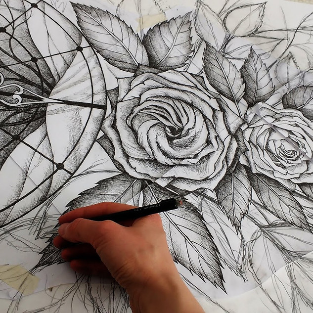 Piirtämässä / Drawing