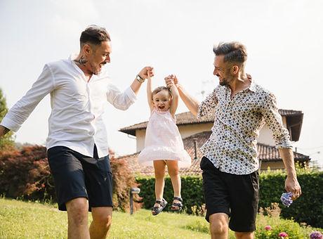 Homosexuelles Paar mit ihrer Tochter