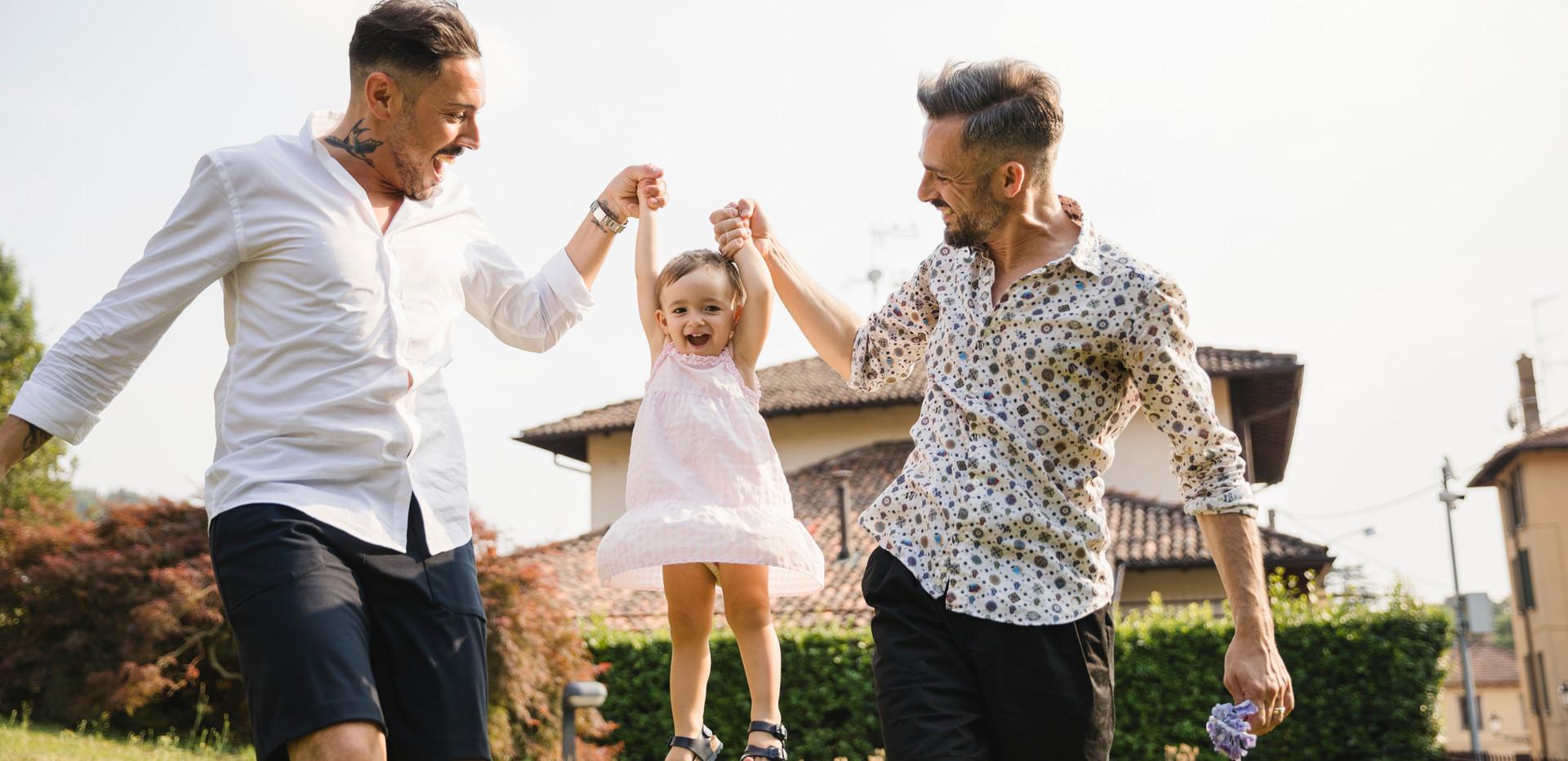 Pareja Gay con su Hija