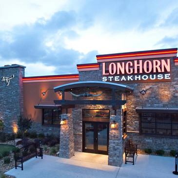 Longhorn Steakhouse: Bad Service + Made Me Feel Unsafe