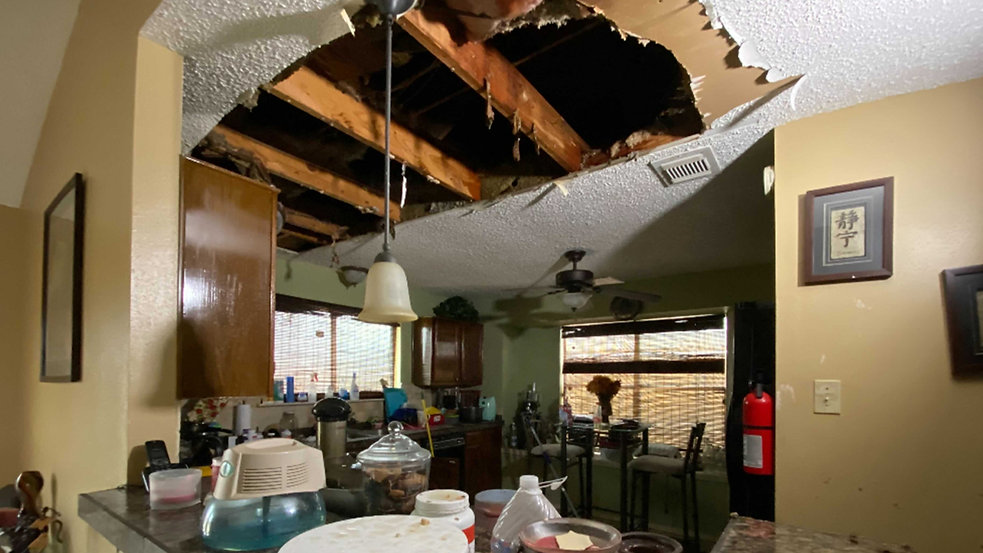 10345311_roof-collapse-TN-img.jpg