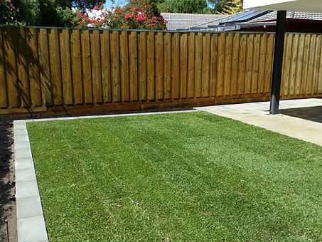 Timber_Fence_Grass_and_Paving.jpg