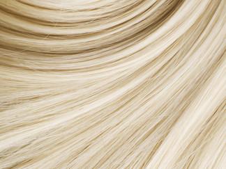 Cheveux abimés, cassants ou qui manquent de volume? On fait le point sur les traitements capillaires