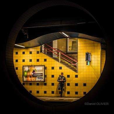 Le quai de Rotterdam by Daniel Olivier