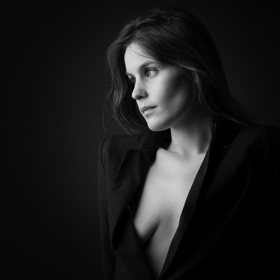 Julie by André Wislez