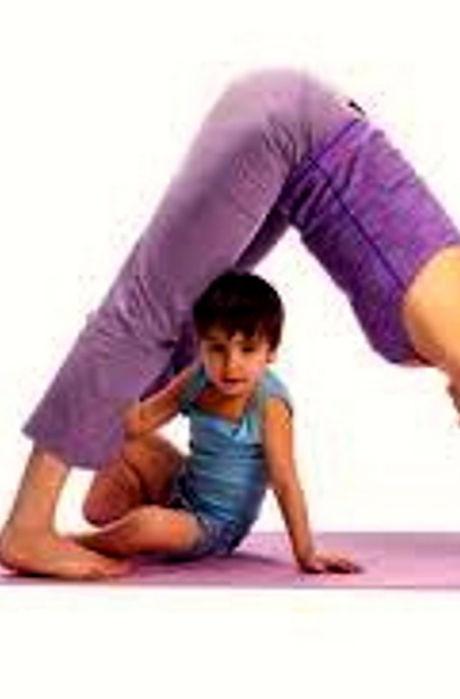 Family-Yoga-with-Jenny-Rhodes-at-Aditi-Y