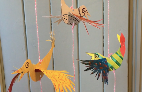 Bouncing paper birds to complete your carnival decorations
