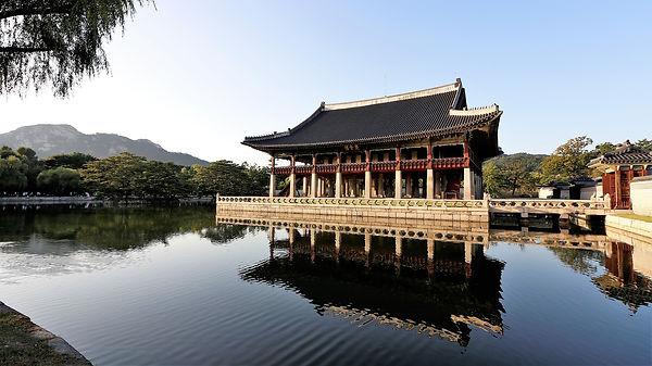 gyeongbok-palace-2929520_1920.jpg