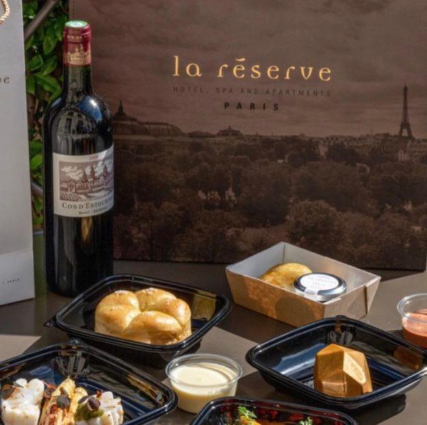 La Réserve at home