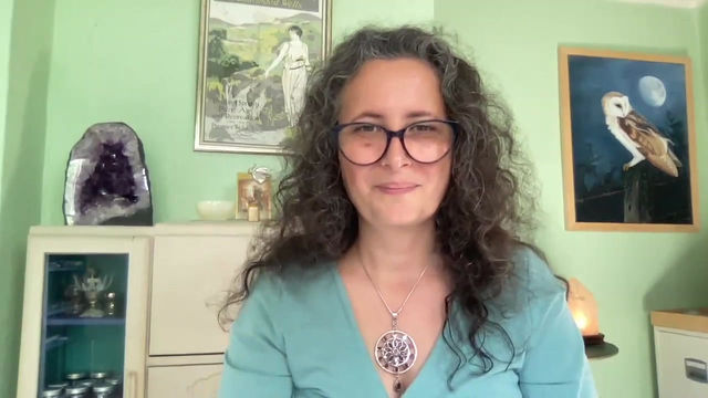 Learn Crystal Therapy in Person with Lauren D'Silva this October