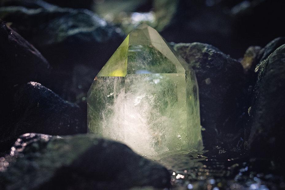 Quartz crystal for healing