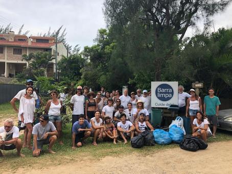 Associação Barra Limpa promove mutirão de limpeza na praia