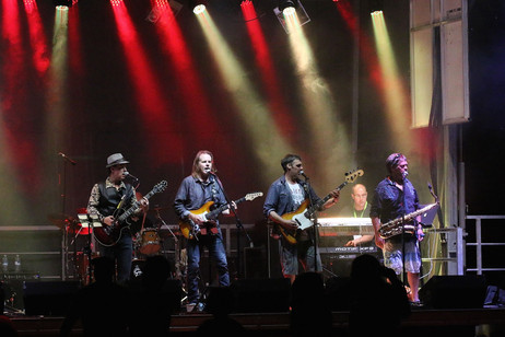 Jimmy G & the Cable Guys - Bow Valley Jamboree (Aug 2015)