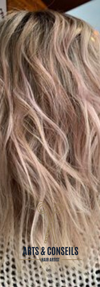 Coupe Dame Ombrage coulage Brushing Coiffure Arts et Conseils Coiffeur Soumagne Blond.png