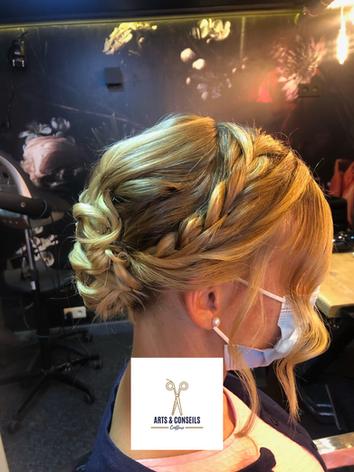 chignon de mariage par Arts et conseils coiffure coiffeur à soumagne (2).png