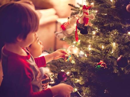 8 formas de incluir os filhos nos preparativos de Natal