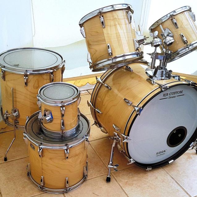 Light wood grain drum wrap