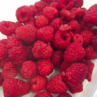 Omg all these fresh berries from Earthfa