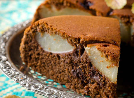 Pear & Chocolate Upside Down Cake #lowcarb #sugarfree #lchf #keto