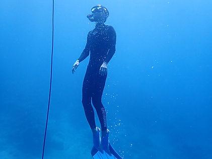 freediver coming up ishigaki