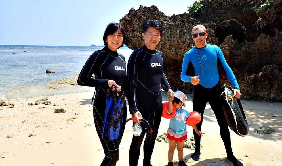 小さなお子様でも楽しめるスポットもたくさんあります。 Small children can also enjoy snorkeling!