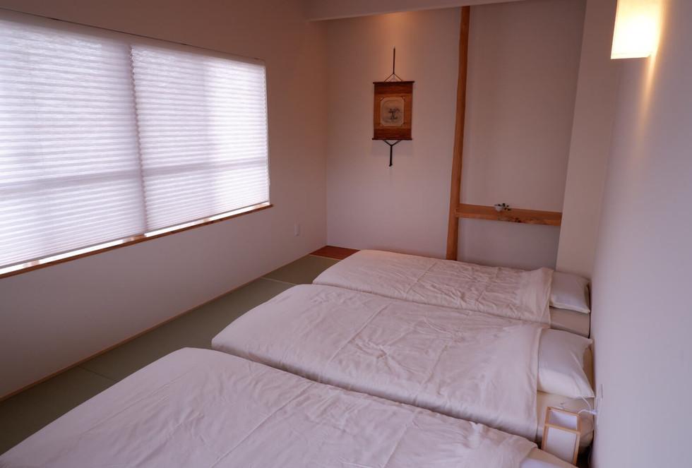 3人部屋。7,5畳ほどのお部屋。7800円〜 Japanese room for 3 peaple, 7800yen~.