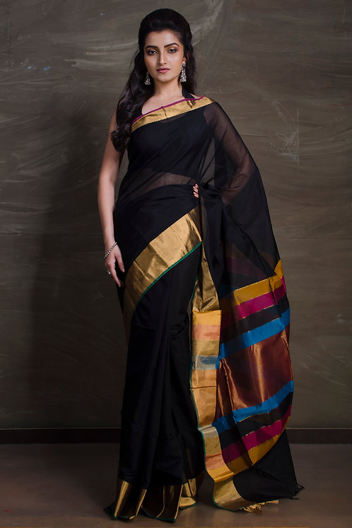 Maheshwari Cotton Silk Saree in Black and Gold