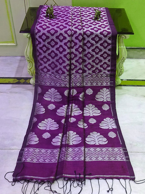 Jaal Work Linen Banarasi Saree in Magenta and Silver