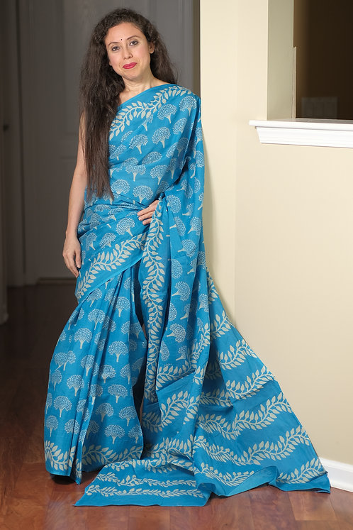 Printed Cotton Saree with Starch in Blue and White