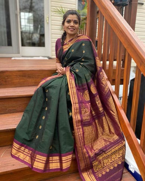 Bengal Looms Diva: Sree from New Jersey looking absolutely gorgeous in her Cotton Gadwal Saree from Bengal Looms.