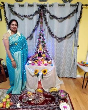 Vasavi from New Jersey looking fabulous in her Crepe Georgette Banarasi Saree from Bengal Looms