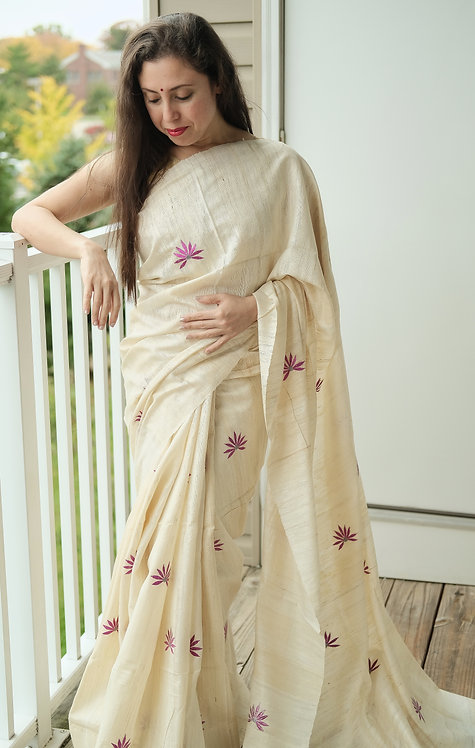 Embroidered Gicha Tussar Saree in Off White