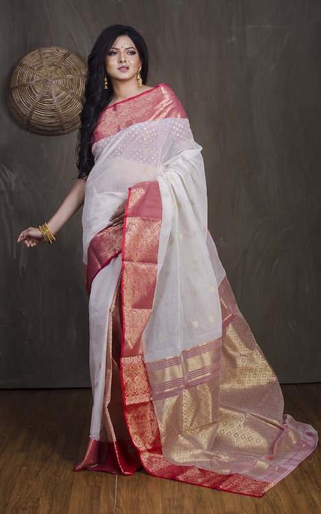 Bengal Cotton Banarasi Saree in Patli Pallu  with Starch in Off White and Red